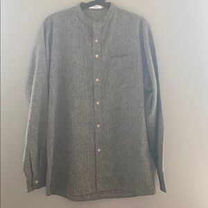 Low profile collar long sleeve button up